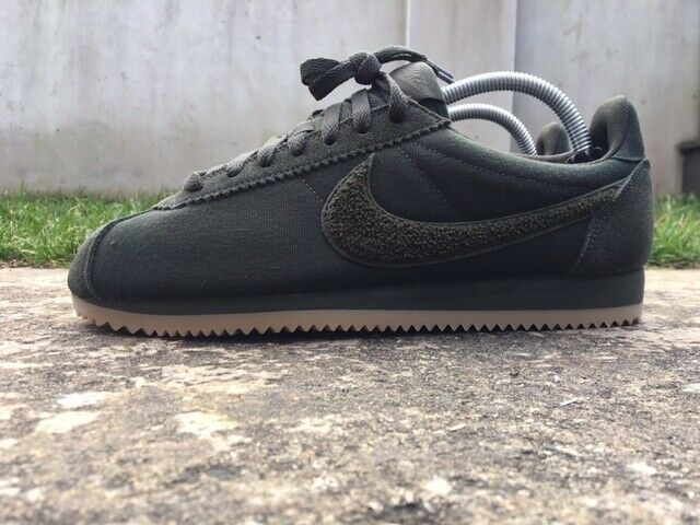 Pin on Max Sneak Trader Sneakers