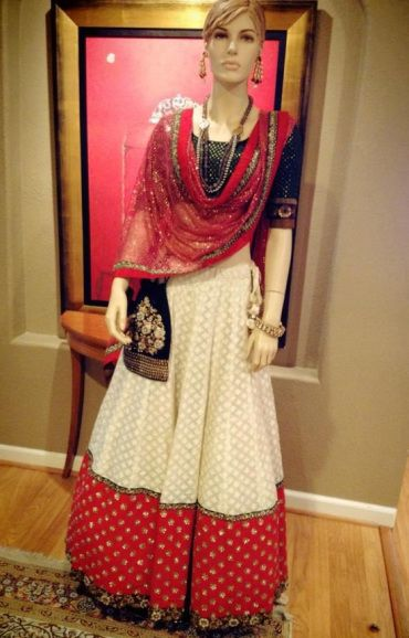 Sabyasachi simple white lehenga