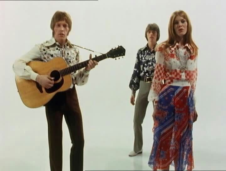 "THE FEATHERS - 1968. BOWIE, HERMOINE FARTHINGALE & JOHN HUTCHINSON. ""Love You Till Tuesday""/""Buy Me a Coat"" promotional clip. - The early 1968 incarnation of Bowie & Hermoine's group included guitarist TONY HILL from THE MISUNDERSTOOD!"