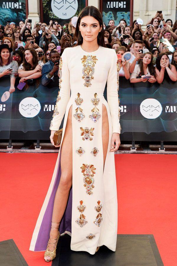 Kendall Jenner High Slit Dress No Underwear Pelvic Bone In