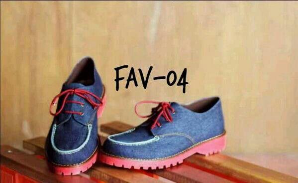 Fav shoes Docmart denim IDR 199K