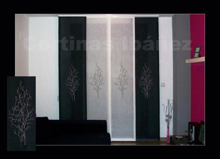 Japonés de 4 vías con paneles de visillos bordados y en colores diferentes para conseguir un aspecto más y elegante. Los japoneses dan un aspecto elegante, se puede combinar de diferentes formas, hay numerosas opciones de aperturas y llegar a 10 paneles y doble mando. En Cortinas Ibáñez con más de 30 años de experiencia, disponemos de miles de tejidos que se pueden adaptar a sus necesidades.