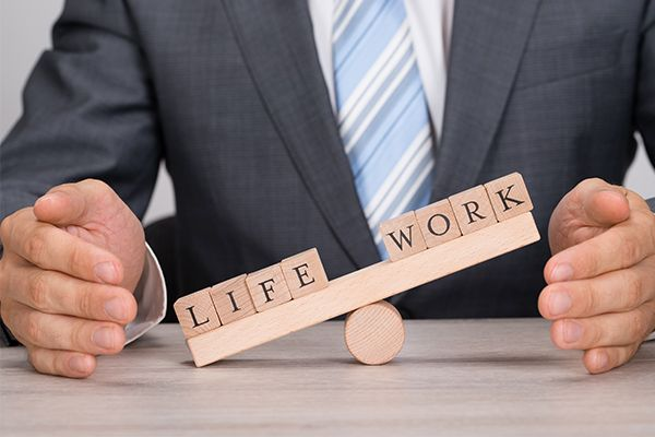 İş Saatleri Sonrası E-Mail Fazla Mesai Ücreti Talep Hakkı Doğurabilir. http://guncelishukuku.com/2738-2/