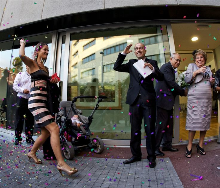 Lluvia de colores... SIZEPHOTO, fotógrafo barcelona, reportaje de boda
