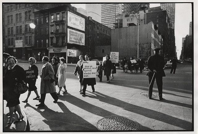 Cuban missle crisis demonstration (New York, N.Y.): U.N. g… | Flickr