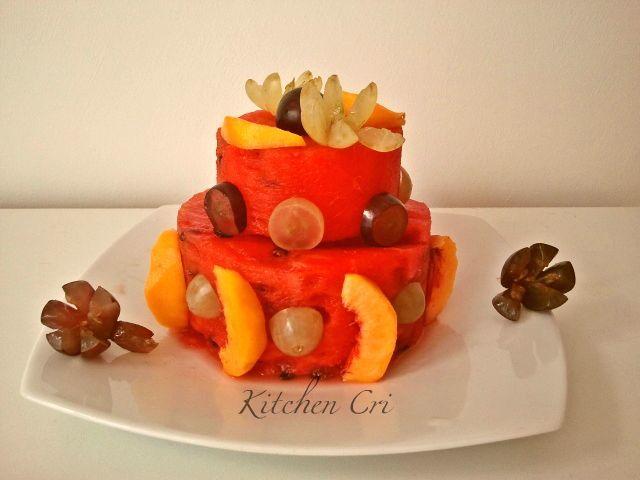 Torta di anguria o torta a forma di anguria