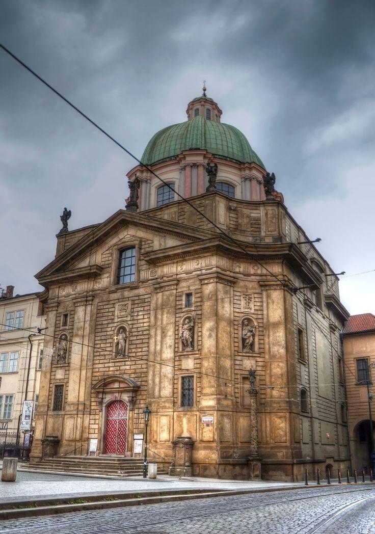 klášter křižovníků s červenou hvězdou s kostelem sv. Františka z Assisi ( Praha )