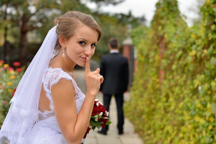 Свадебные приметы могут быть отвержены, но когда супружеская жизнь начинает рушиться, то мы начинаем о них вспоминать. Верить во что либо, это право выбора
