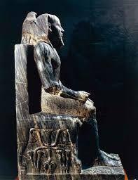 Ritratto di Chefren, Antico Regno, Diorite nera scolpita a tutto tondo, Museo del Cairo