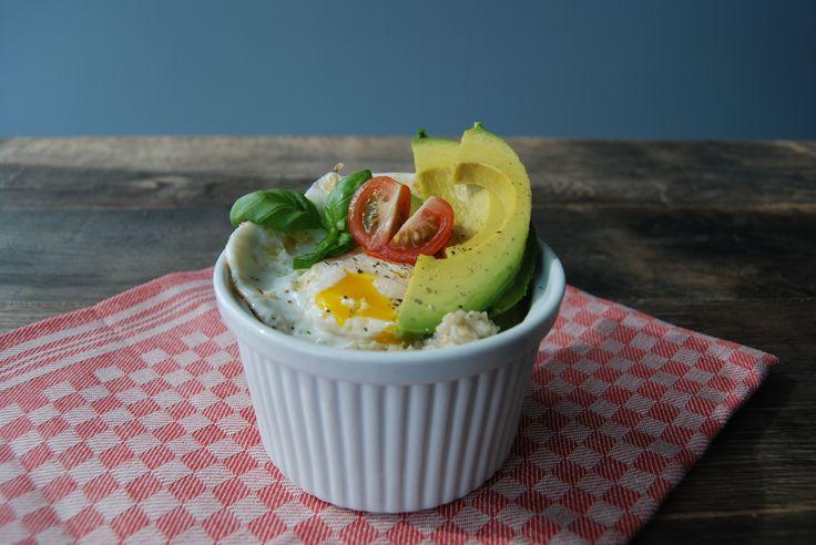 Je bent misschien gewend om havermout lekker zoet te eten. Maar als bruch of lunch kun je ook een heerlijke hartige havermout maken. Bijvoorbeeld met ei!
