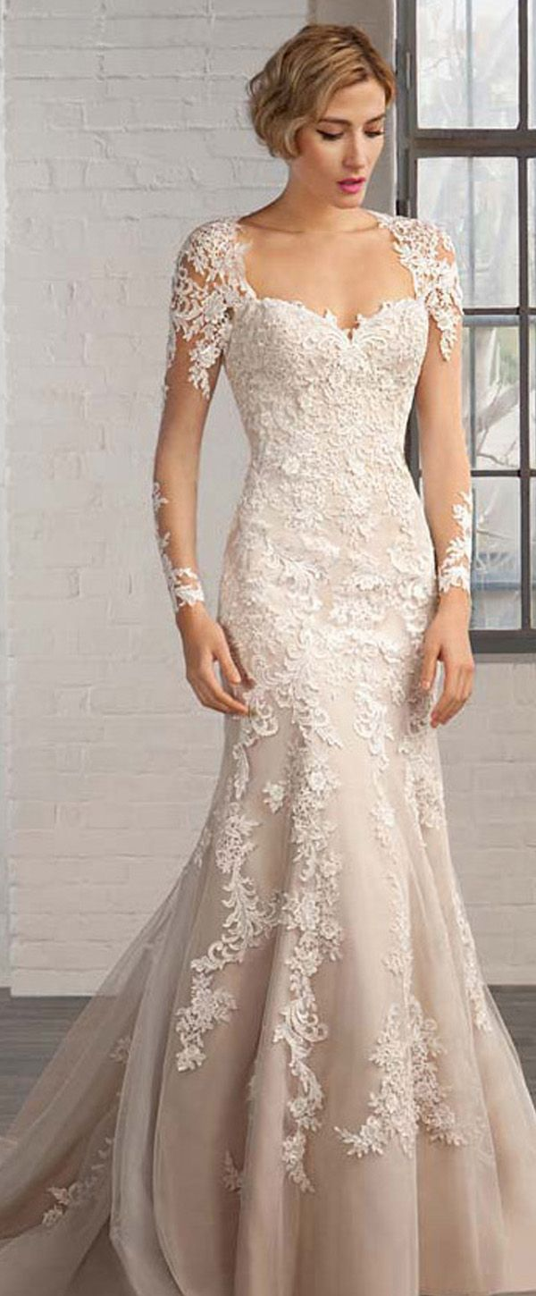 Elegant Organza Queen Anne Neckline Mermaid Wedding Dresses with Lace Appliques