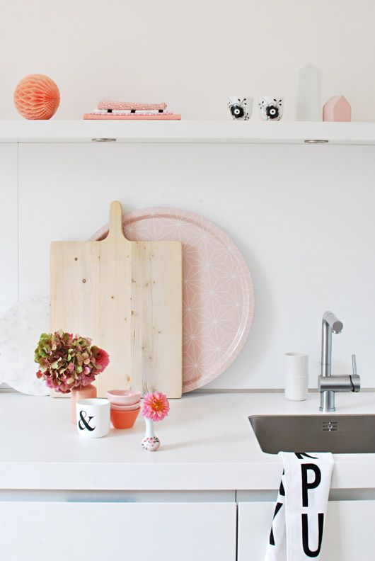 absolutely ADORABLE kitchen