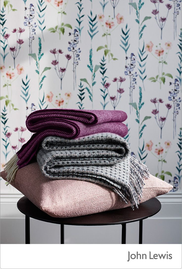 This month's EDIT is inspired by our Leckford Estate in Hampshire, bringing you the colour and motion of country gardens in spring. Mix-and-match different materials to create contrast in your living space, making the most of the sumptuous feeling of pure lambswool to fend off the evening chill.