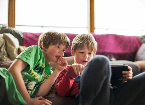 L'astinenza potrebbe essere un esercizio utile anche per i bambini?  Magari così non diventano dipendenti da una cosa, da un gioco o da un adulto. Su Gioia http://www.gioia.it/idee/scuola-e-figli/bambini-e-astinenza-mo-te-lo-spiego-a-papa/