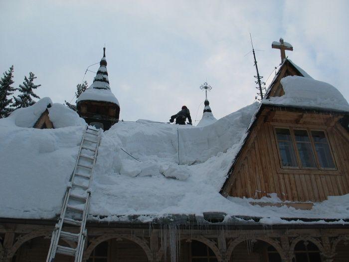 Zimowy dach klasztoru na Wiktorówkach. #dominikanie #wiktorówki #tatry #śnieg #klasztor