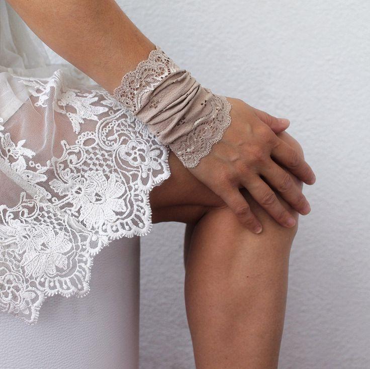 100 Latest Bracelet Tattoo Designs For Ladies: Best 25+ Wrist Bracelet Tattoos Ideas On Pinterest