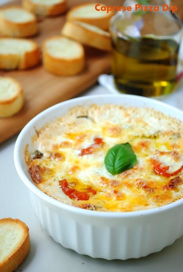 Caprese Pizza Dip, perfect met stokbrood!