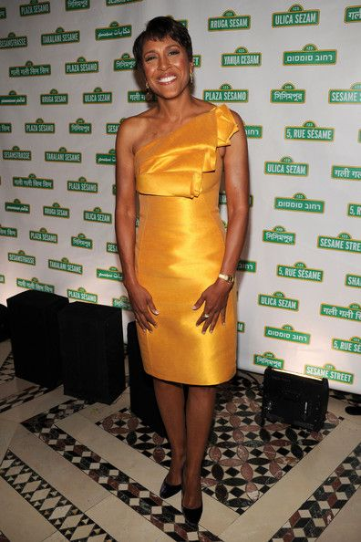 Robin Roberts One Shoulder Dress - Robin Roberts showed off her awesome figure while attending a Benefit  gala in New York City.