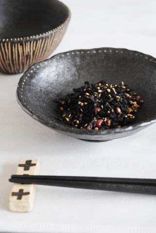 高須愛子「手びねり点点鉢」の商品詳細ページです。