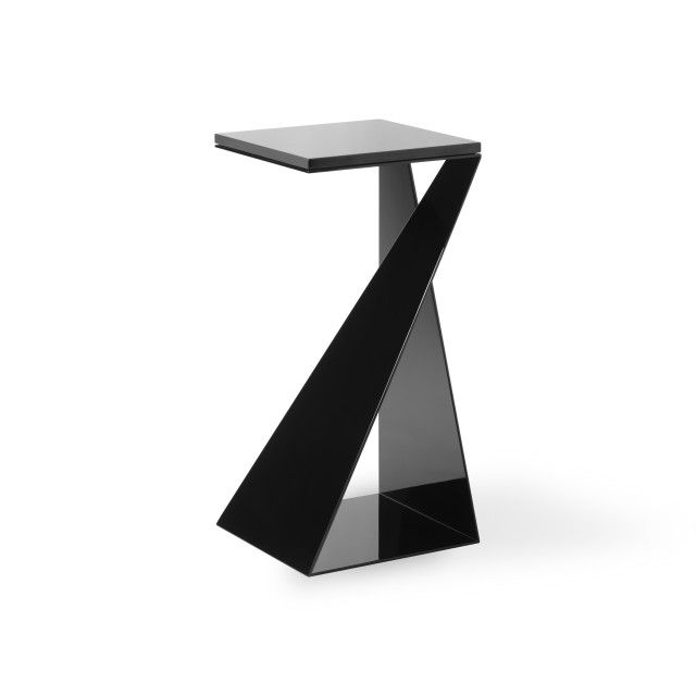 T02 Table by Nova Obiecta/ lucecurated x Qrator