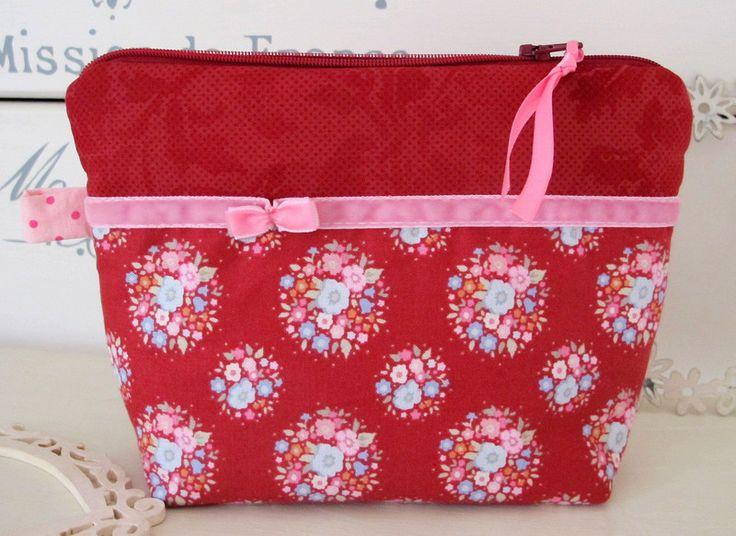 Schminktäschchen - Kosmetiktasche Kulturtasche rot - ein Designerstück von…