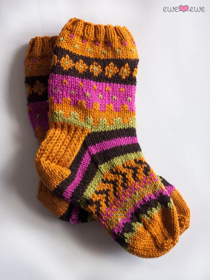 Southwest Stockings FREE Fair Isle socks knitting pattern and yarn kit.