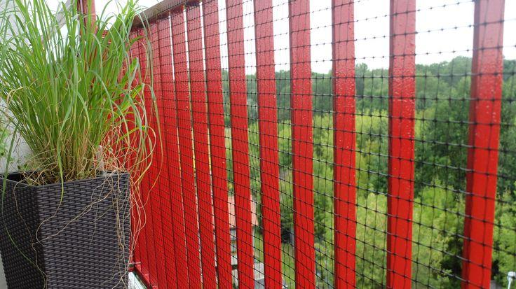 """osłona barierki balkonowej - do czego może służyć siatka przeciw kretom? Jako """"zabezpieczenie"""" przed gołębiami! :)"""