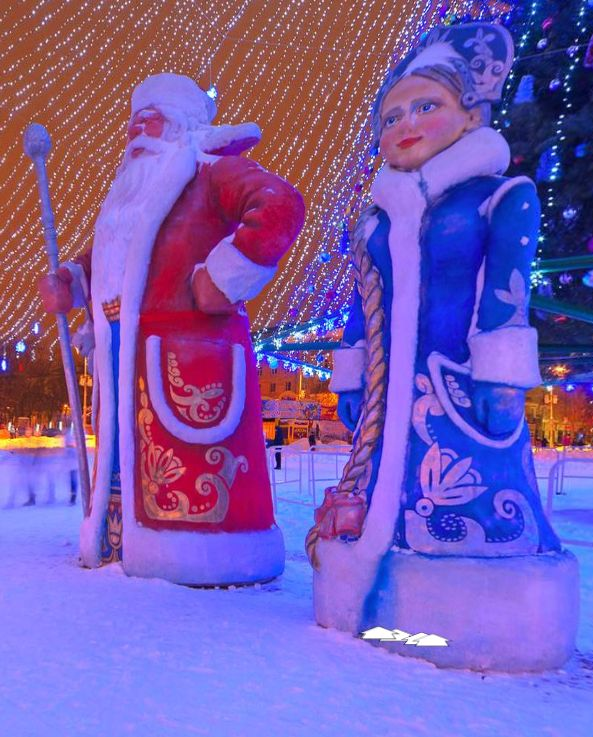 Christmas tree in Belgorod (Russia) by Vladimir Aleksandrov https://www.360cities.net/image/novogodnya-yolka#287.25,0.00,70.0