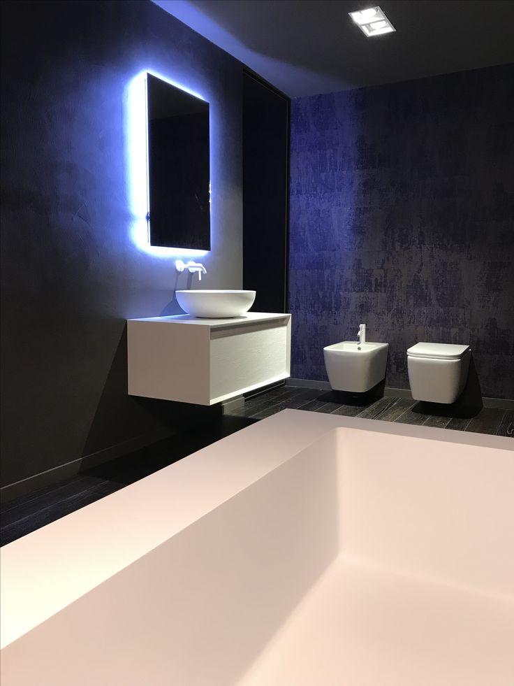 Mobile MUSEUM con lavabo da appoggio POMPIDOU di ALEXANDER DESIGN - Ambienti bagno | Alexander Design prodotti - la tua stanza da bagno #photo #design #cool #architecture #luxuryhome #luxuryhotel #bathroom #hotel #condividiildesign #alexander_design #instagood #instagram #