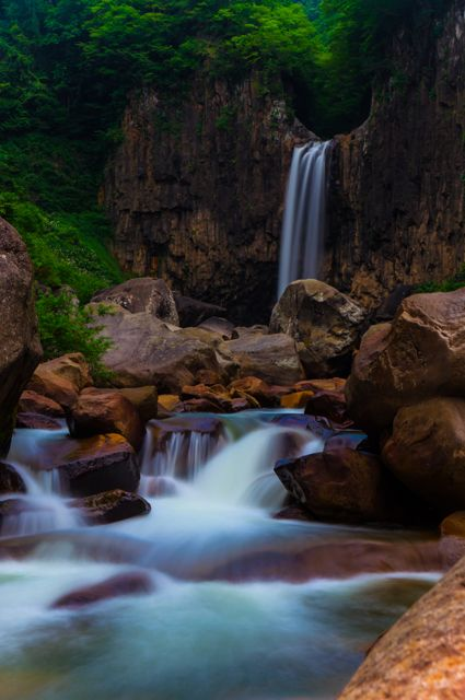 Naena Falls, Niigata, Japan 苗名滝 新潟