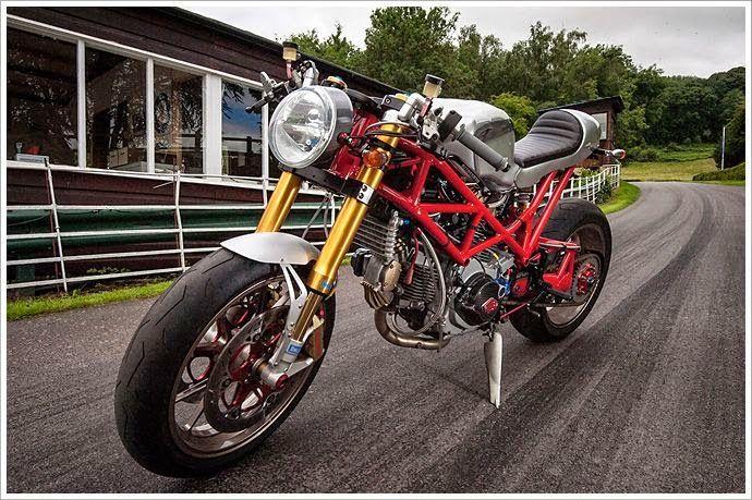 Ducati Monster SR2 Cafe Racer Ducati Cafe Racer based on Ducati Monster SR2 built by mechanical engineer John Grainge.   Click to read more about