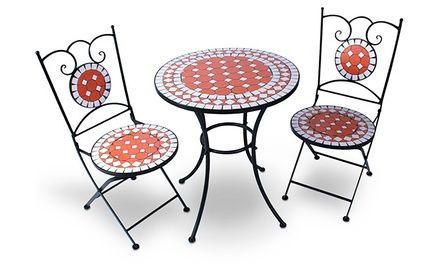 Ideali per godersi un caffè con stile, questo set da giardino è composto da un tavolo Mosaic e 2 sedieOggi Groupon offre Tavolo e sedie da giardino Mosaic a 109,9 €  Caratteristiche Resistente agli agenti atmosferici Design elegante Sezioni di mosaico in ceramica Telai realizzati in robusto acciaio Sedie facilmente ripiegabili L'insieme è facile da montare, pur essendo stabile e affidabile Dimensioni tavola (L / W / H): 64 x 64 x 70 centimetri Dimensioni sedia (L / W / H): 33cm x 44…