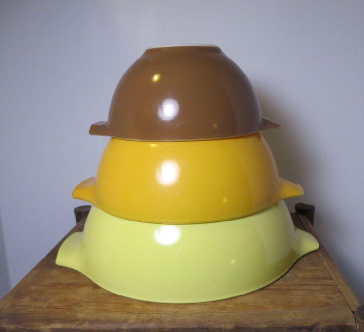 Pyrex Town and Country Brown Yellow Orange Mixing Bowls Nesting Spout Vintage Kitchen Farmhouse by NewOxfordVintage on Etsy