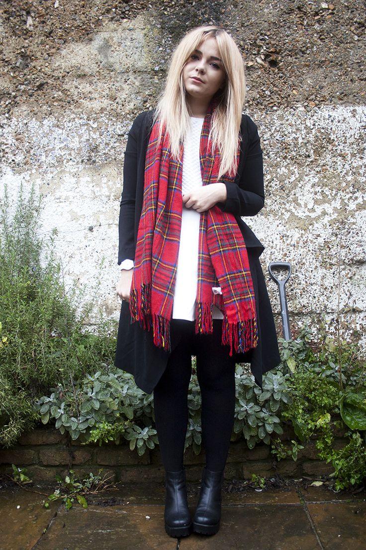 Lily Melrose - http://www.llymlrs.com