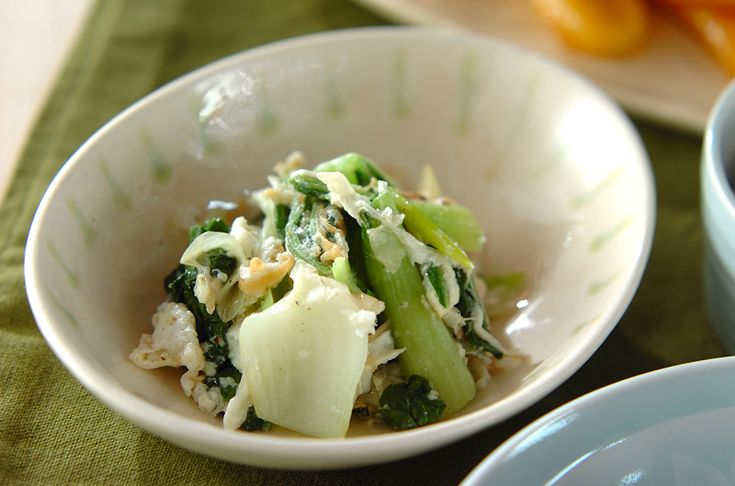 卵白を加えてすぐに器に盛ると、ふんわりおいしい。チンゲンサイの卵白炒め[中華/炒めもの]2009.10.12公開のレシピです。