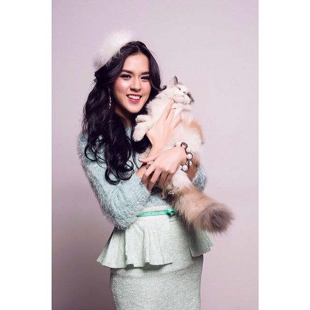 raisa6690 | cat lady pict by buke7 , make up sapdo89 , stylist tararuhama ️ | Webstagram