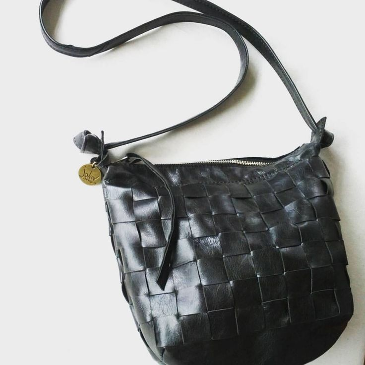 #wovenleather :this fascination with #texture started this time last year and really took hold during our #wabisabi exercises each month. Another #ooak #wovenbag in gorgeous #bkack #leather. #rough #dark #sophisticated . Love it! Only one in stock....