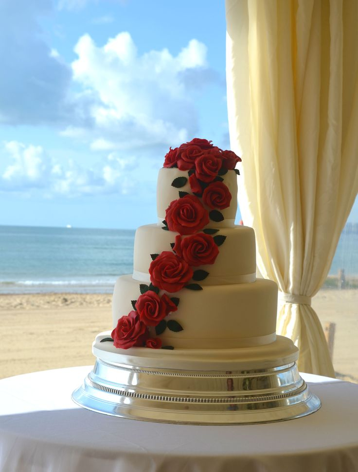 Bournemouth Beach Wedding Cake With Piano Red Roses
