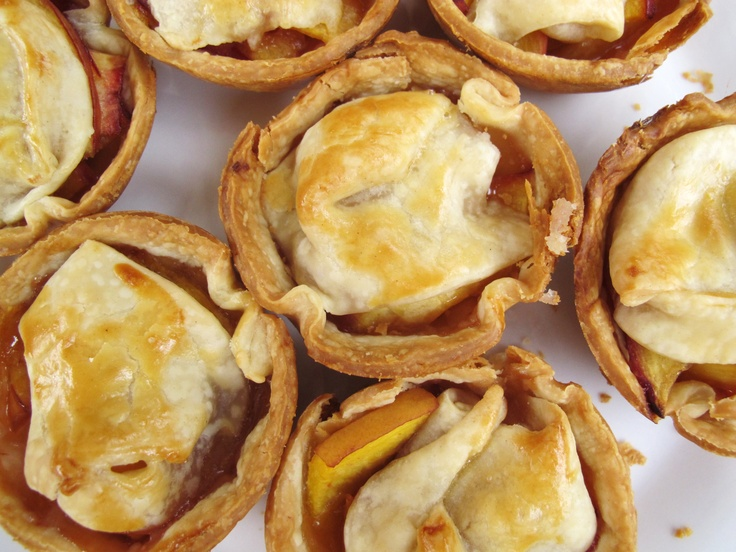 PEACH PIE : peach, tequila, cinnamon mini-pies!