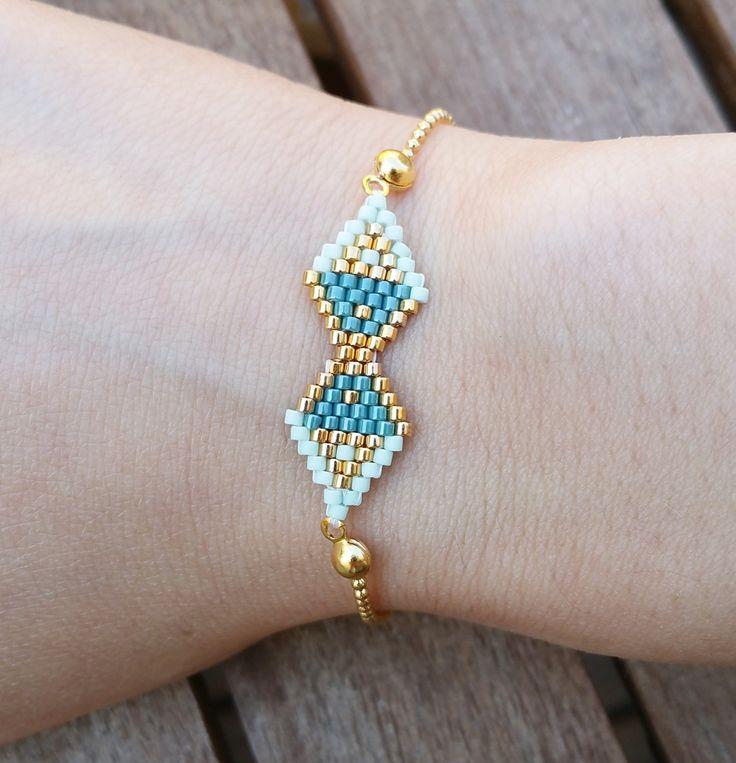 Bracelet en perles Miyuki, doré, vert menthe et bleu pétrole : Bracelet par laboutiquedesmidinettes