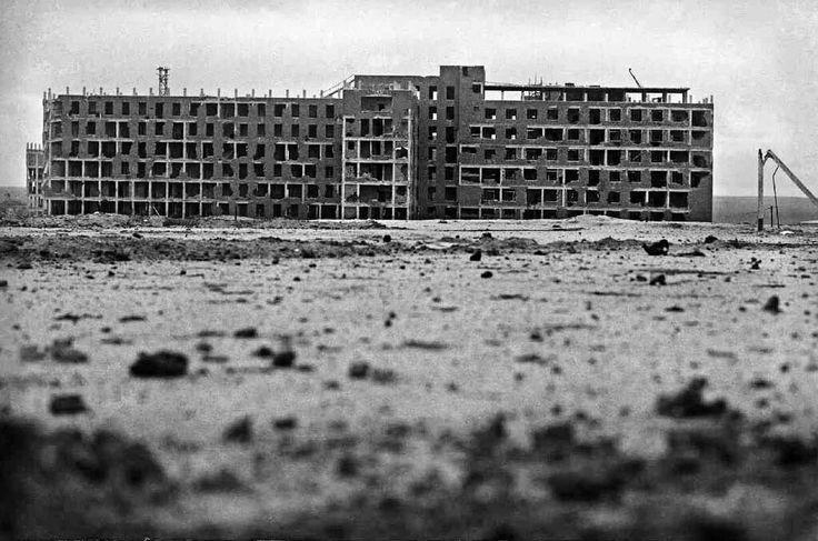 Así se ve la tierra de nadie que separa las líneas frente al Hospital Clínico. Madrid, inicios de 1937.