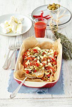Putenbrust mit Oliven, Feta und Tomaten | http://eatsmarter.de/rezepte/putenbrust-mit-oliven-feta-und-tomaten
