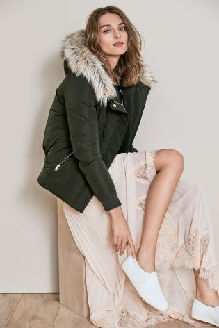 Dress down an uber chic ensemble with a must-have puffa jacket!