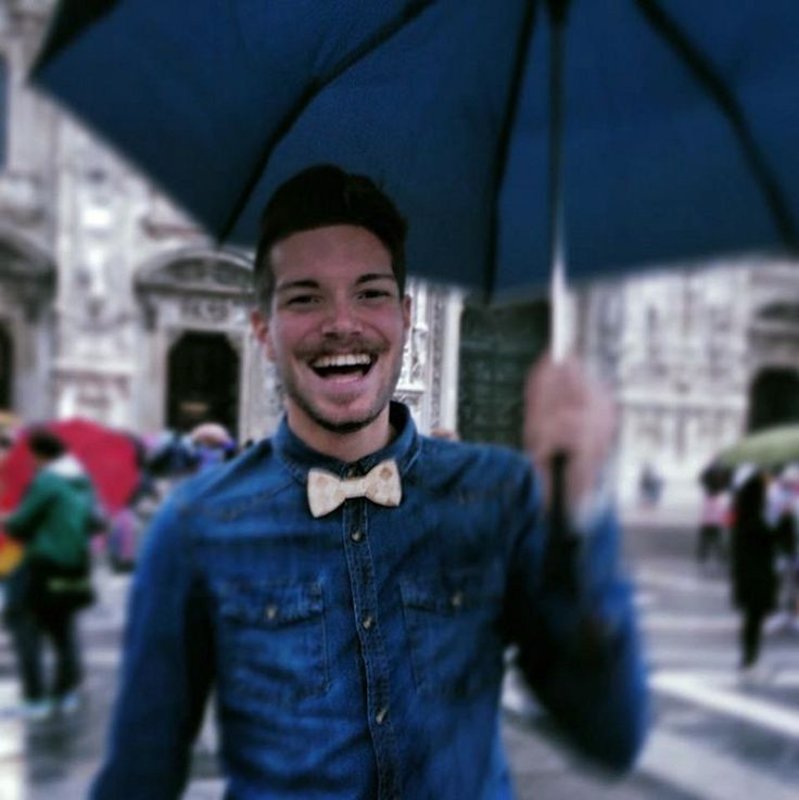 It's raining men! @AlbertoRoma looking stylish with his Wooden Bowtie @toosuits