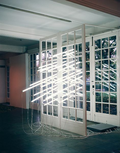 Bill Culbert. Wall breaking // stop motion // fluorescent tube light installation.