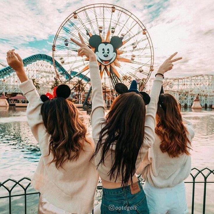 """FASHION ╳ LIFESTYLE ╳ TRAVEL no Instagram: """"Bff Goals in Disneyland 🏰….. – Adelhied Zeit"""