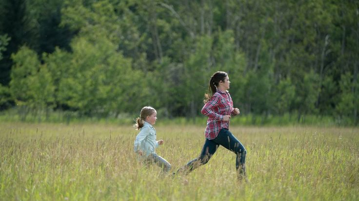 That is such a sweet picture of two sisters going some where in a hurry. This Sunday: Season 10 Mid-Season Finale - Heartland