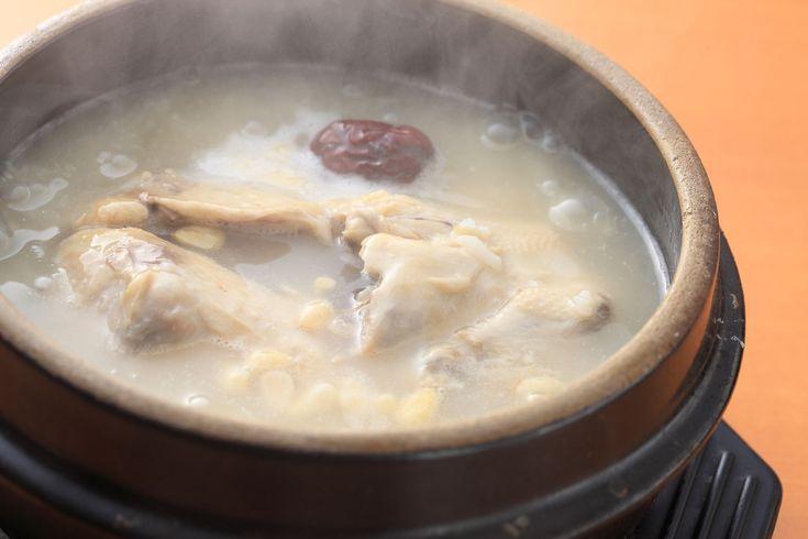 韓国といえば、焼肉や参鶏湯などですが、他にも絶品な韓国料理はたくさんあります。知らずに韓国に行くのはもったいない!今回はおすすめグルメと一押しのお店を5つ紹介したいと思います。