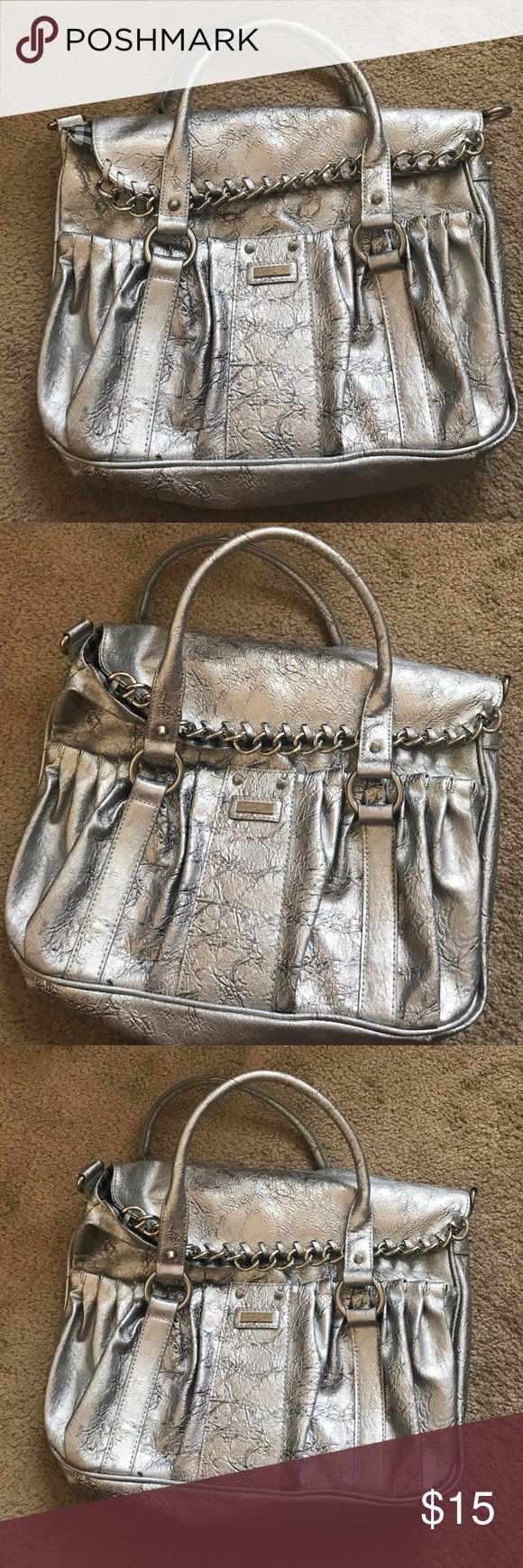 Jessica Simpson Purse Beautiful Silver Jessica Simpson purse. In perfect rarely used condition. Jessica Simpson Bags