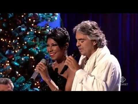 Andrea Bocelli e Natalie Cole - Christmas song   live